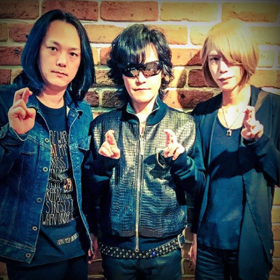 FireShot Capture 86 - Shinya_DIR EN GREY_SERAPH sur Inst_ - https___www.instagram.com_p_BeSklF3nY_i_