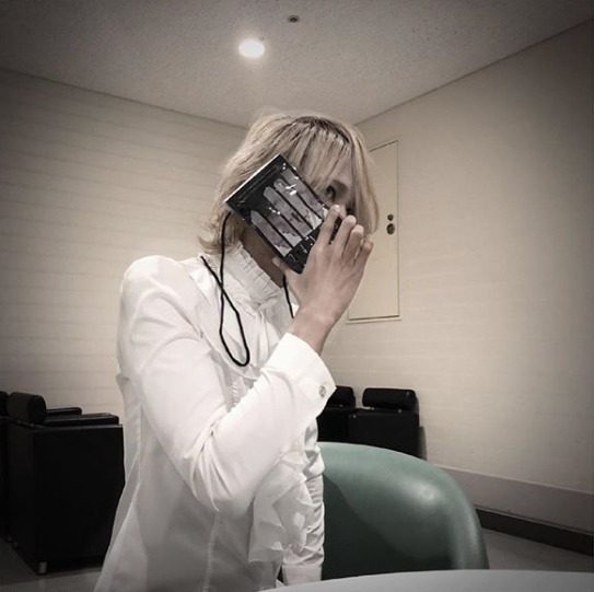 FireShot Capture 423 - Shinya_DIR EN GREY_SERAPH sur Ins_ - https___www.instagram.com_p_Bm0qdMynAG9_