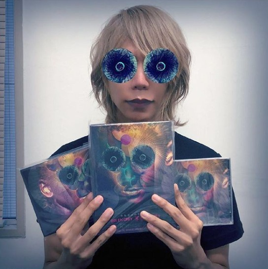 FireShot Capture 456 - Shinya_DIR EN GREY_SERAPH sur Ins_ - https___www.instagram.com_p_BoLe6TYn1c1_