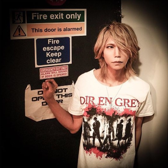FireShot Capture 509 - Shinya_DIR EN GREY_SERAPH sur Ins_ - https___www.instagram.com_p_BpBuJufFQac_