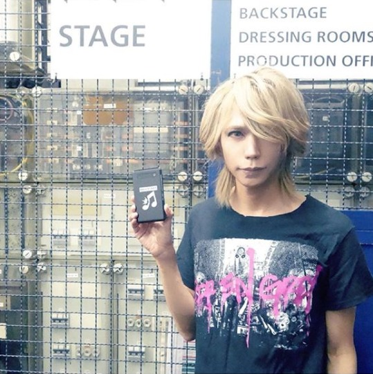 FireShot Capture 512 - Shinya_DIR EN GREY_SERAPH sur Ins_ - https___www.instagram.com_p_BpIVbWUF4No_
